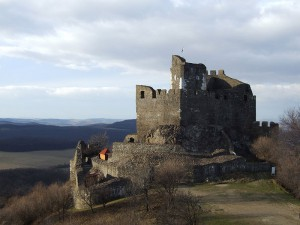 800px-castle_of_holloko_with_panorama.jpg
